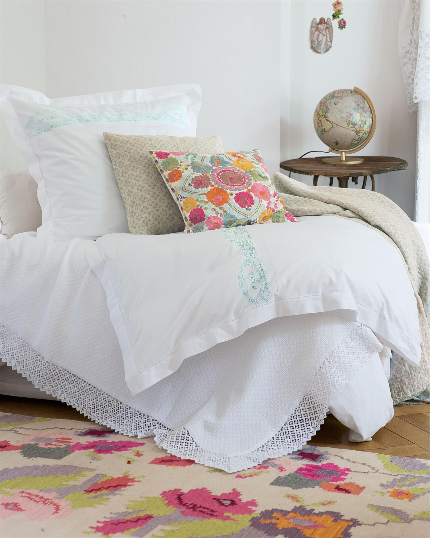 bettw sche traumsch n finden sie auf. Black Bedroom Furniture Sets. Home Design Ideas