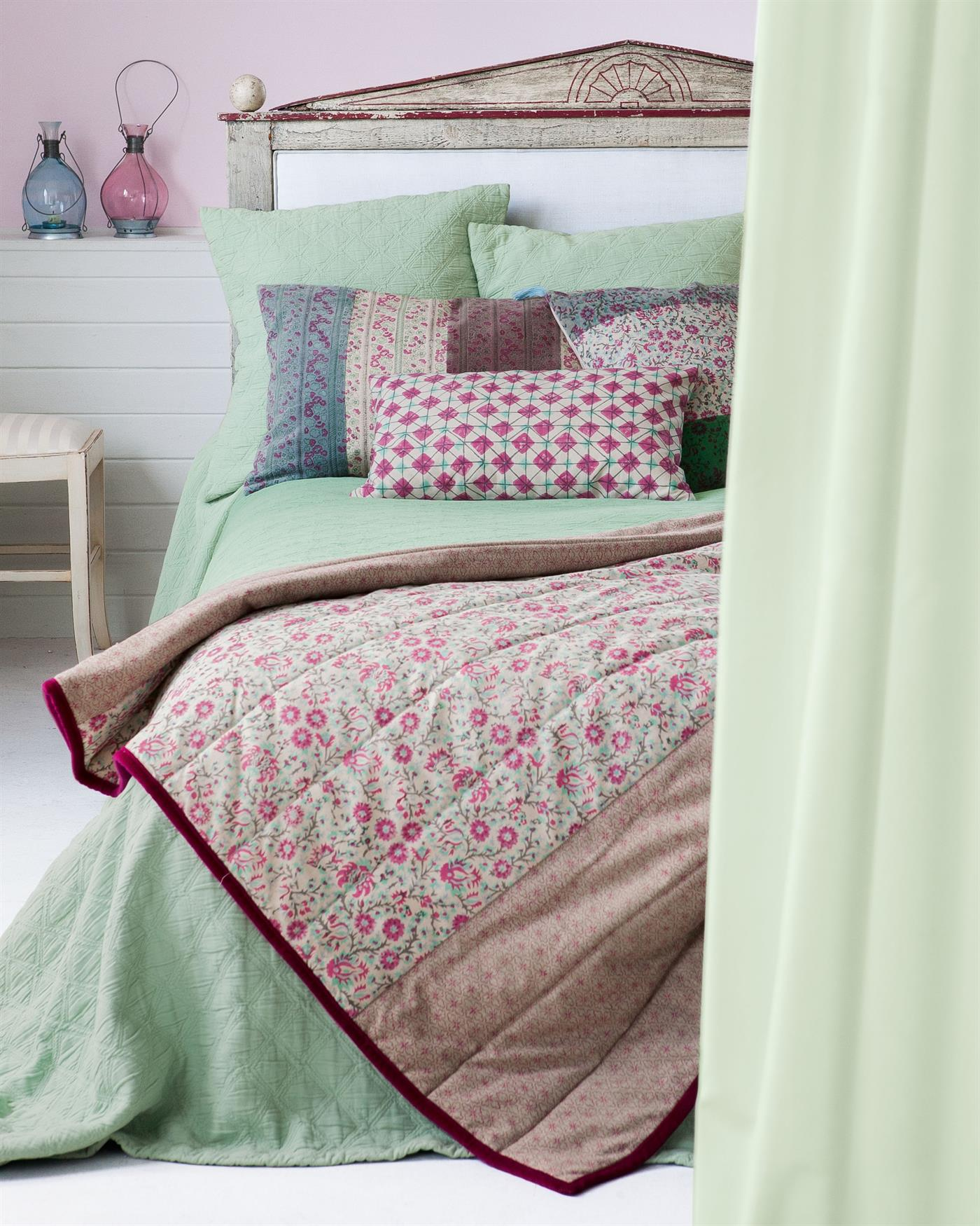 piquedecke waffelstruktur bestellen auf. Black Bedroom Furniture Sets. Home Design Ideas