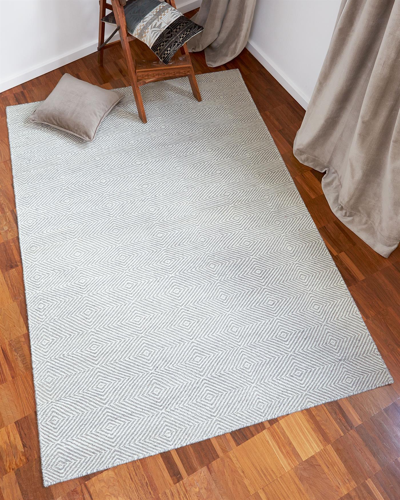teppich diamant f r sie auf. Black Bedroom Furniture Sets. Home Design Ideas