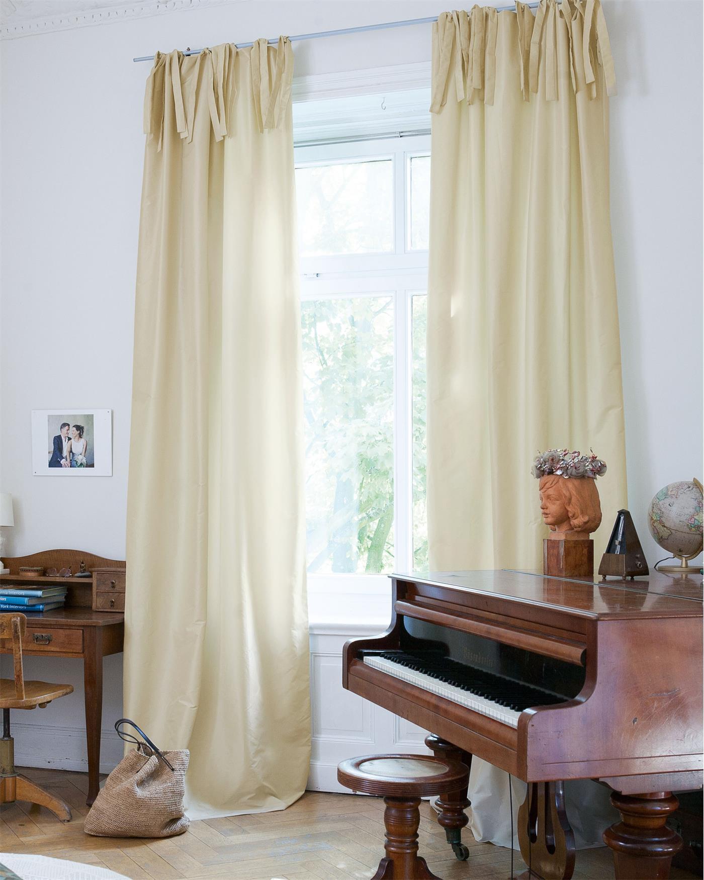 vorhang elfenbein faux silk f r sie auf. Black Bedroom Furniture Sets. Home Design Ideas