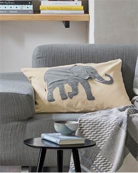 Kissenhülle applizierter Elefant