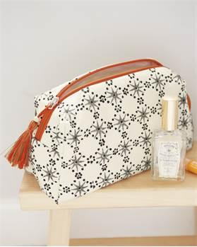 Kulturtasche, weiß, Sternemuster, weiche Baumwolle