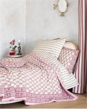 Quilt Pink Bhuti