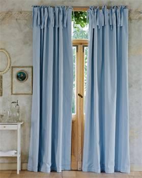 Streifenvorhang hellblau