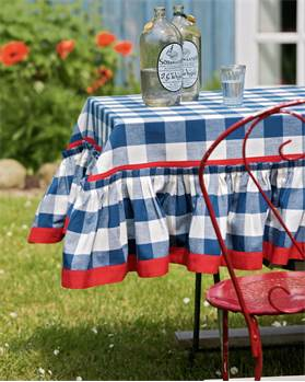 Tischdecke mit Volant