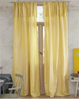 Vorhang gelbe Streifen