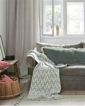 wolldecken und plaids von. Black Bedroom Furniture Sets. Home Design Ideas