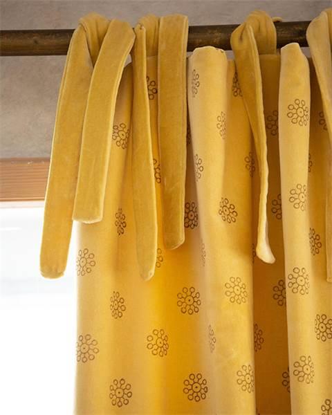Samtvorhang gelb