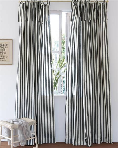 Streifenvorhang schwarz-weiß